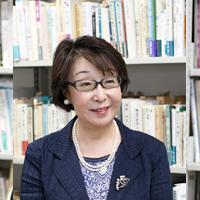 生田 久美子